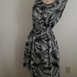 Gap medium large vintage inspired leaf dress women